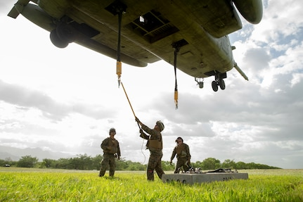 U.S. Marines conduct helicopter support training.