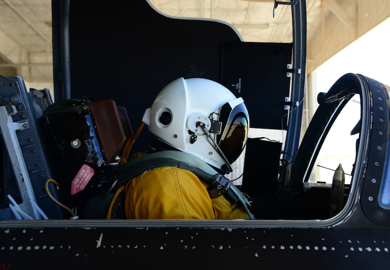 A U-2 Dragon Lady pilot