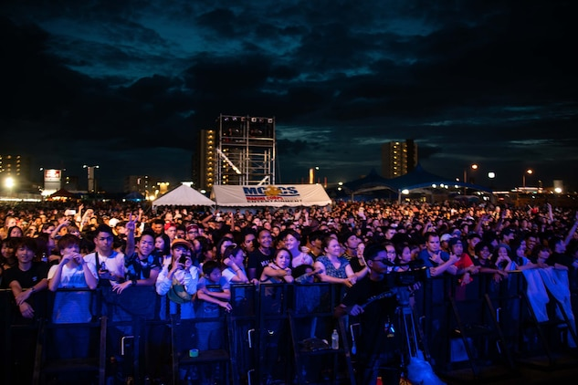 7月6~7日の週末にキャンプ・フォスターで行われたフェスティバルには、1万3千人以上の日米の観客が来場しました。