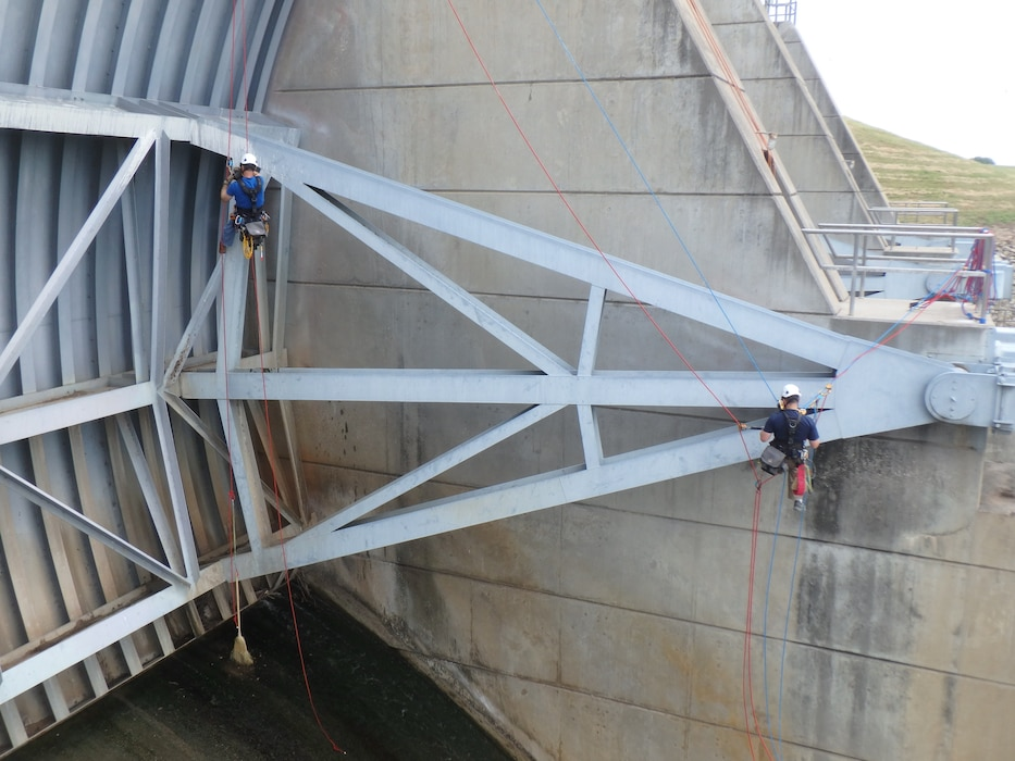 Structural Engineers and Certified Weld Inspectors (CWI) from the Vicksburg District inspected the conditions of the tainter gates on the Proctor Dam near Proctor, TX. The Vicksburg District commonly sends our highly trained and certified employees to other Districts saving them time and money on their missions.