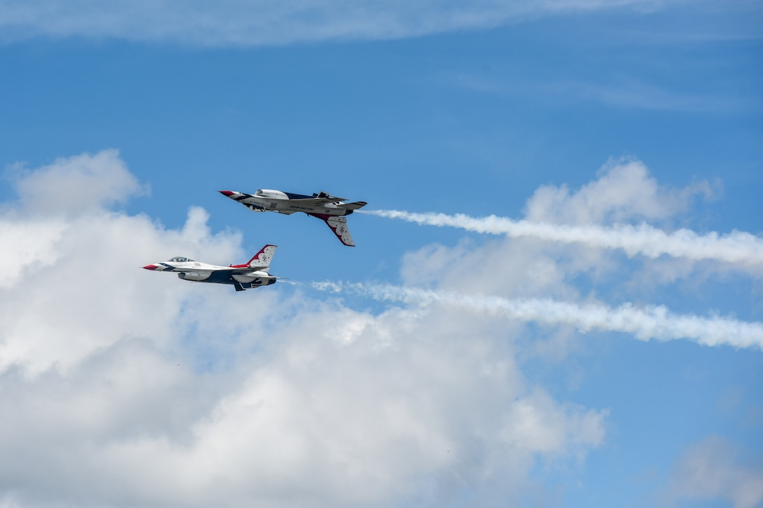 U.S. Air Force Thunderbird F-16 Fighting Falcon fighter jets perform a routine.