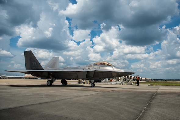 A U.S. Air Force F-22 Raptor from Tyndall Air Force Base refuels via hot pits at Eglin AFB, Florida, July 2, 2019.