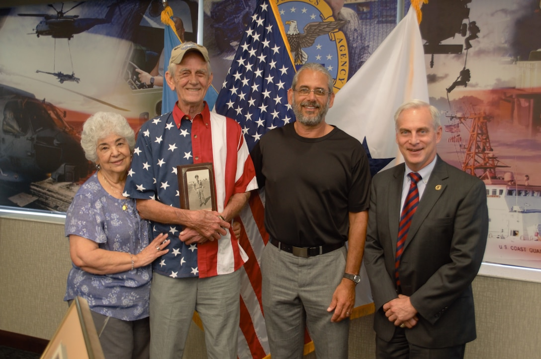 Defense Logistics Agency Distribution Chief of Staff Recognizes Local Air Force Veteran