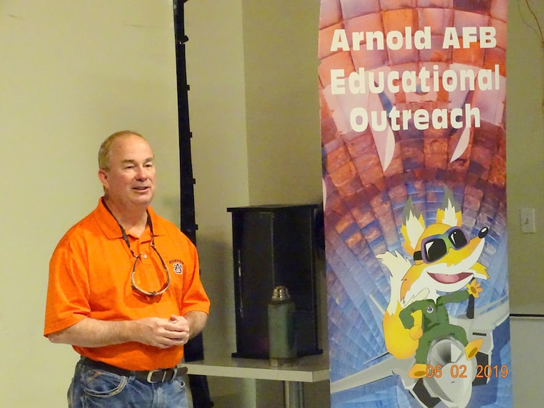 To kick-off the Reach for the Stars event June 1 at the Hands-On Science Center in Tullahoma, AEDC Vice Director Edward Ayer provides opening remarks to the kids about the future of rocketry and why STEM is important. (Courtesy photo)