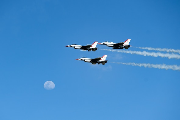 The U.S. Air Force Thunderbirds perform an aerial demonstration during the Feria Aeronáutica Internacional—Colombia 2019 (F-AIR) at José María Córdova International Airport in Rionegro, Colombia, July 14, 2019.
