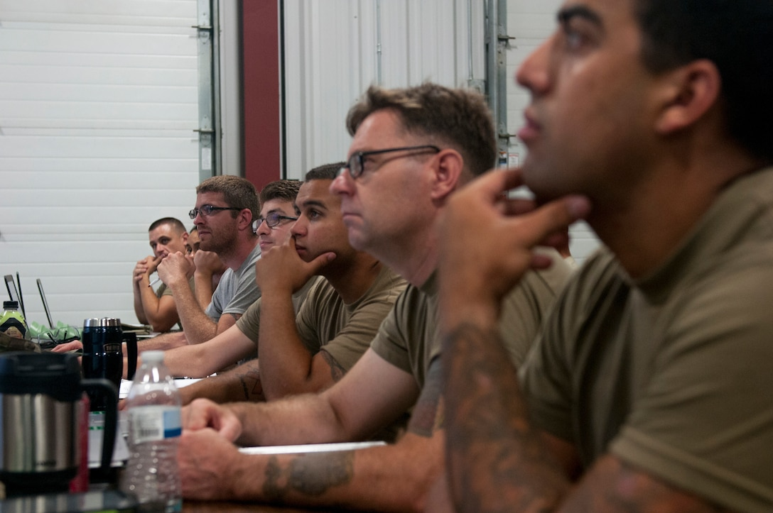 Army Reserve instructor combines passion, knowledge into maintenance training
