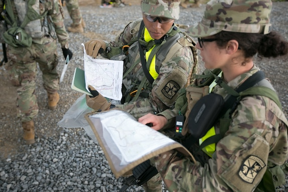 Reserve personnel provide future officers an azimuth to land navigation success
