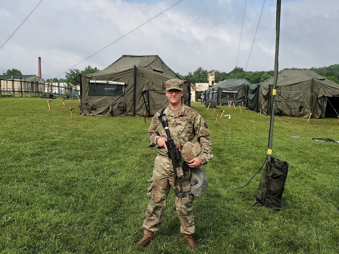 Army Reserve helps Soldier find his calling in communication
