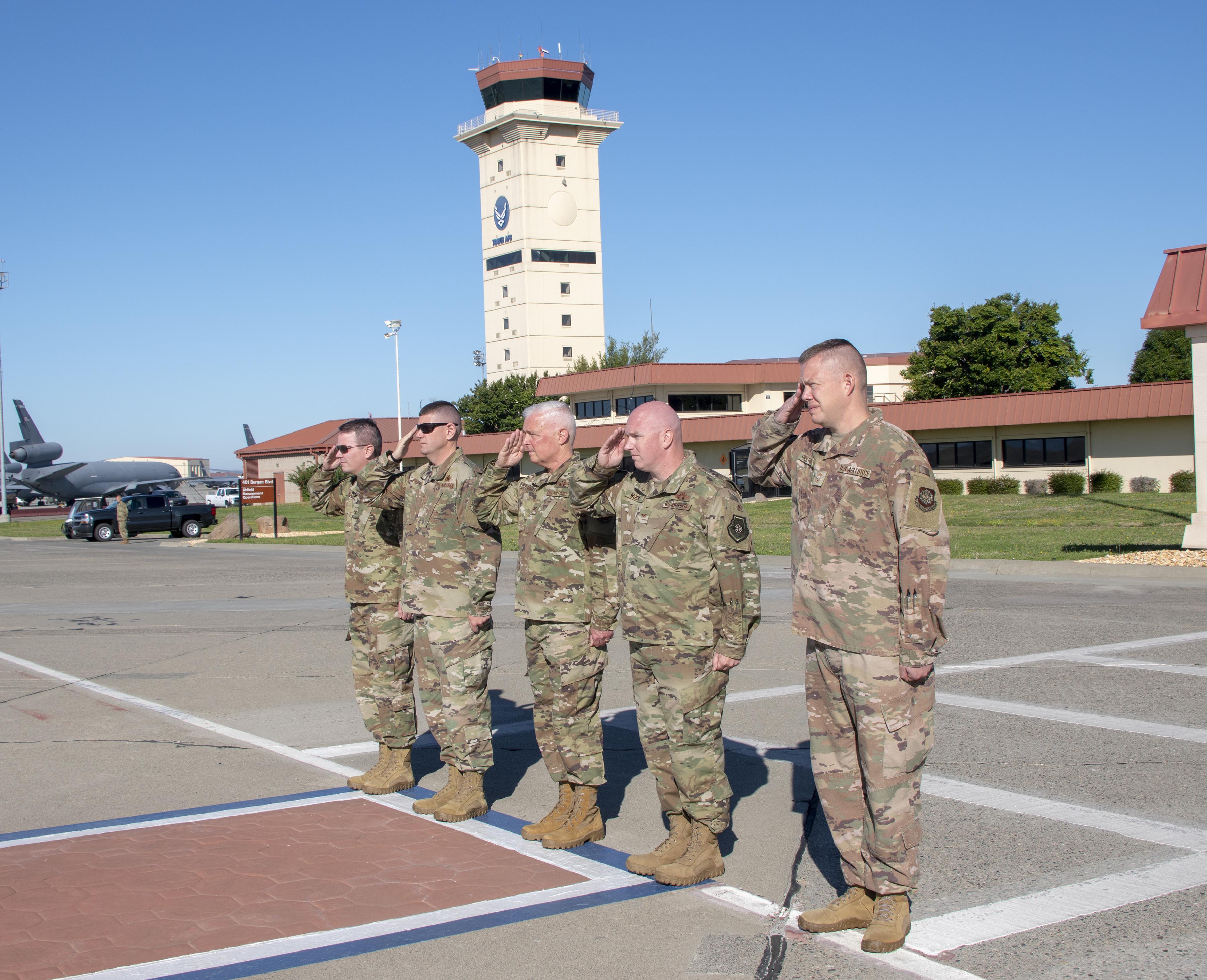 TRANSCOM commander visits Travis AFB > Travis Air Force Base > News