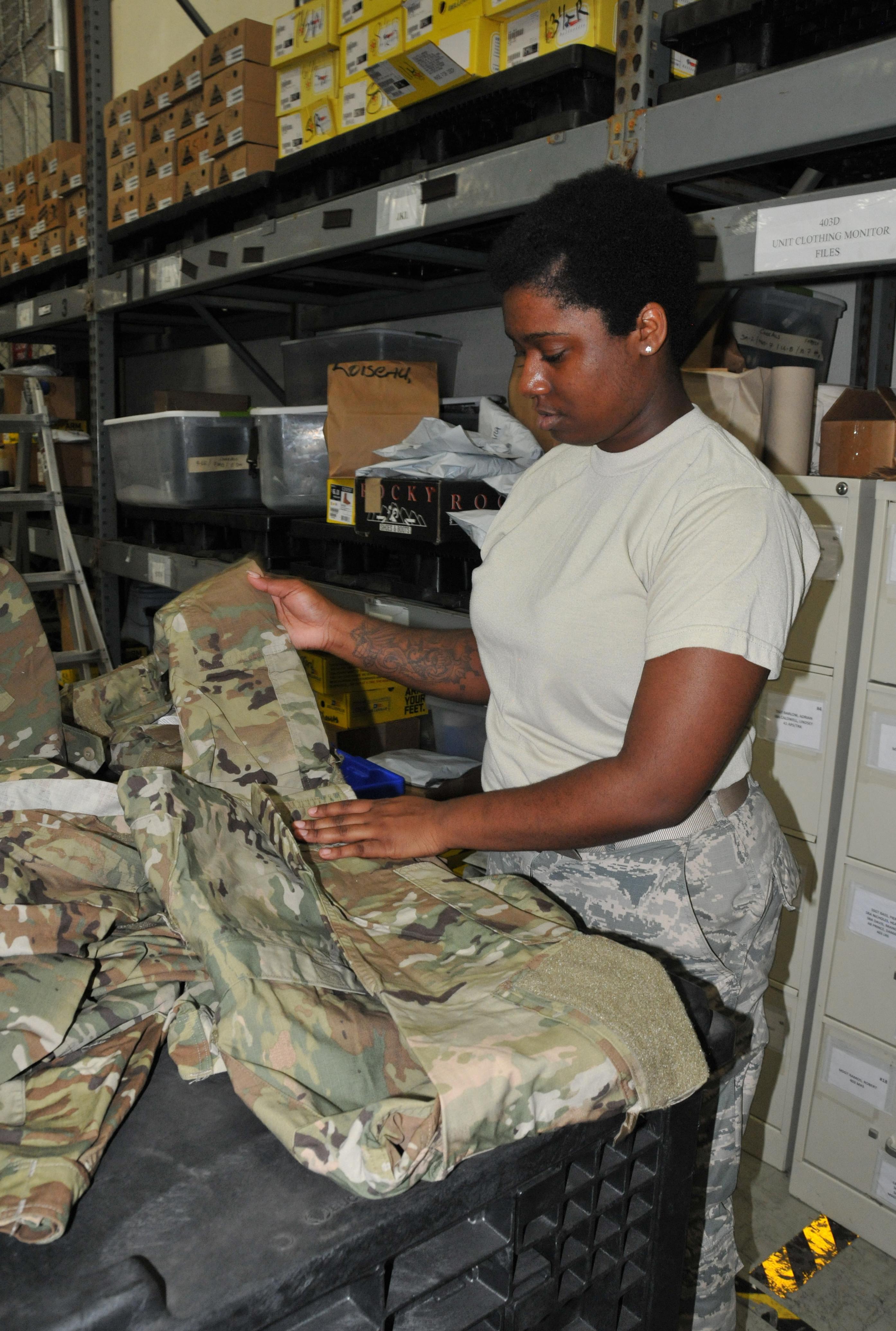 Uniform issue on schedule > Defense Logistics Agency > News