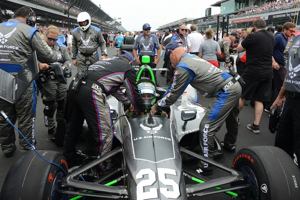 Air Force Recruiting sets the pace at Indy 500