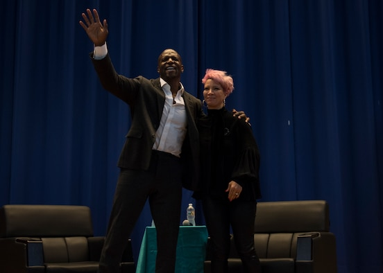 Terry Crews visits Osan AB Airmen, Soldiers