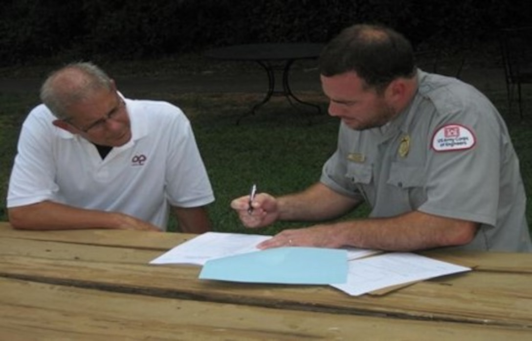 Corps Ranger assists landowner with shoreline management license