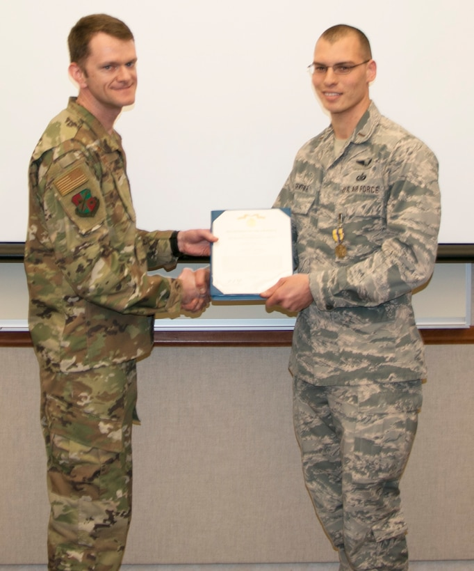 Gentile Receives AF Commendation Medal
