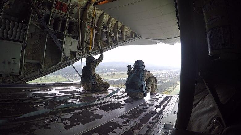 simulate airdrop C-130