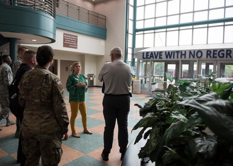 VFW members visits Osan AB