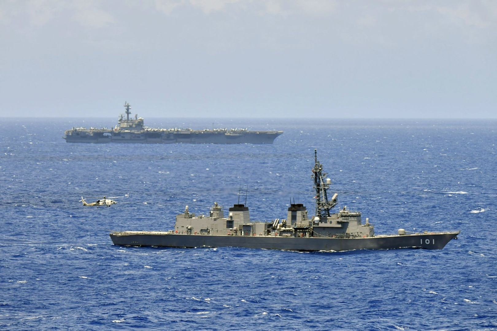 USS Ronald Reagan, JS Izumo Sail Together in the South China Sea