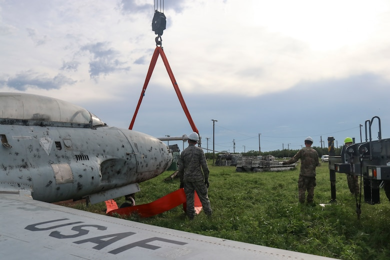 Airmen complete Crashed Damaged Disabled Aircraft Recovery training