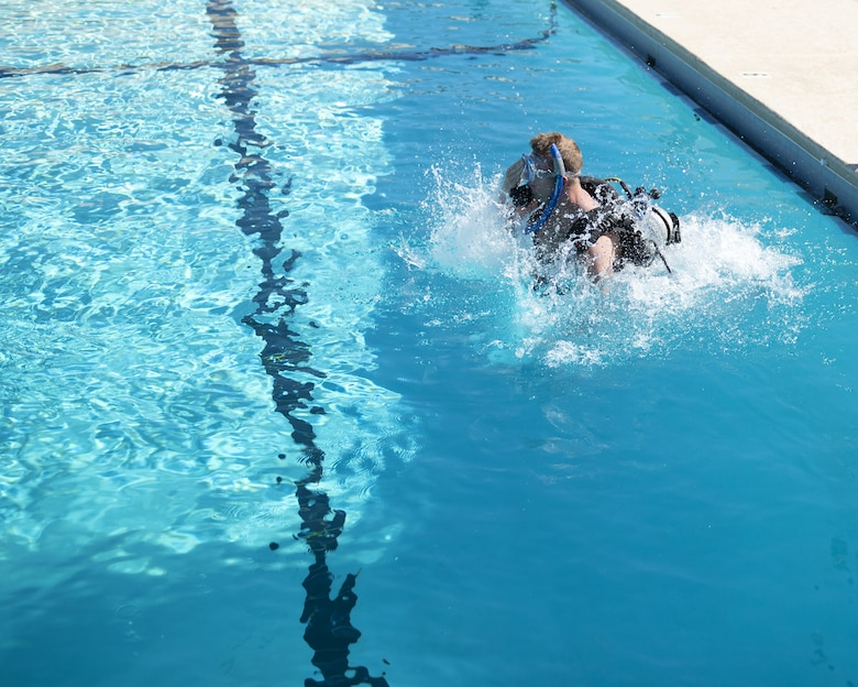 A scuba student practices dives in the water June 8, 2019, at Luke Air Force Base, Ariz.