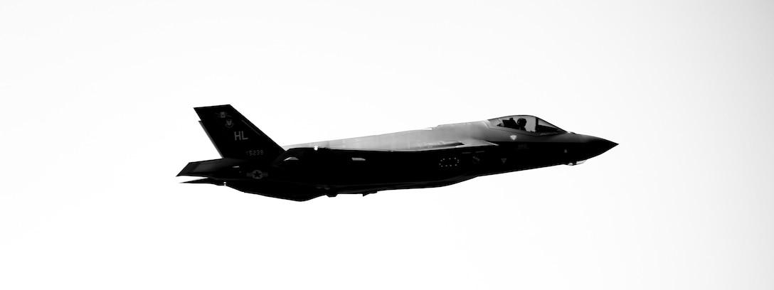 U.S. F-35A Lightning II seen in mid-aid.