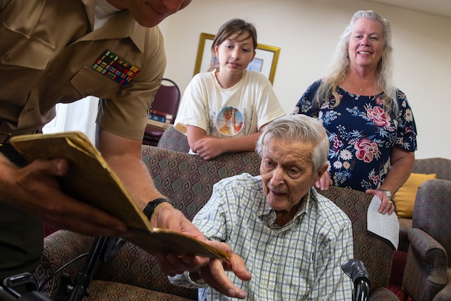 WWII Marine Raider shares his stories with Marines from 1st Marine Raider Battalion