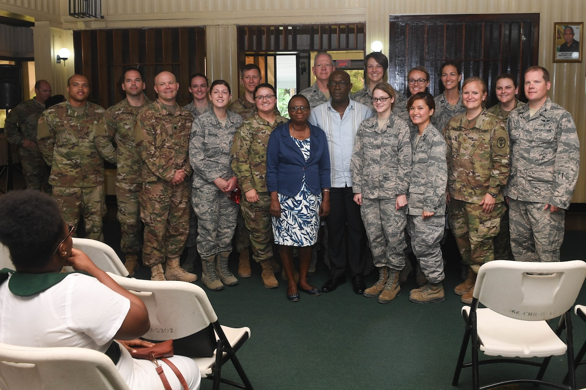U.S. service members and Linden Hospital Complex employees take a photo together.
