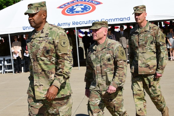 Brig. Gen. Kevin Vereen, outgoing U.S. Army Recruiting Command Deputy Commanding General - Operations, Maj. Gen. Frank Muth USAREC Commanding General, and incoming USAREC DCG-O,  Col. Patrick Michaelis prepare for the change of command Ceremony that was held today at USAREC Headquarters at Fort Knox.