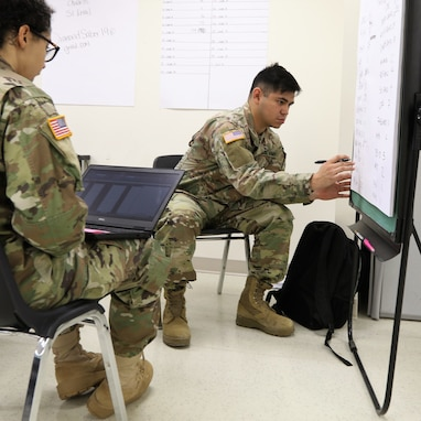 Army Reserve's 350th HR Company supports exercise Diamond Saber