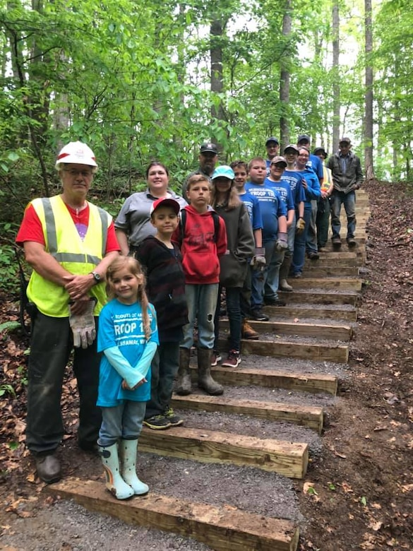 Burnsville Lake Participates in National Park Day Clean Up