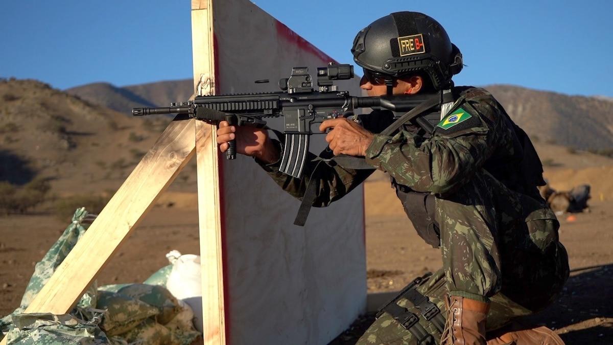 A Brazilian competitor goes through critical task day one lane during Fuerzas Comando 2019, Santiago, Chile, June 18, 2019.