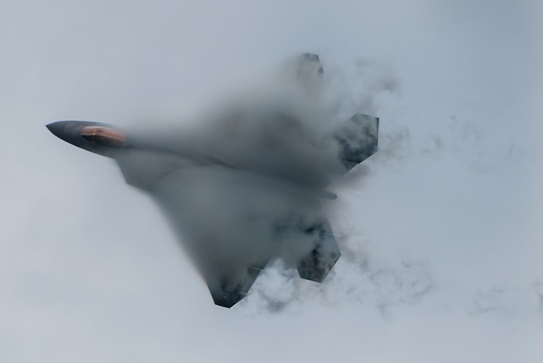 F-22 Raptor performs a stiff-pitch maneuver