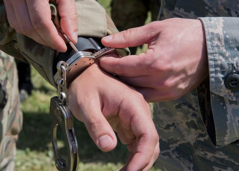 Handcuffing procedures
