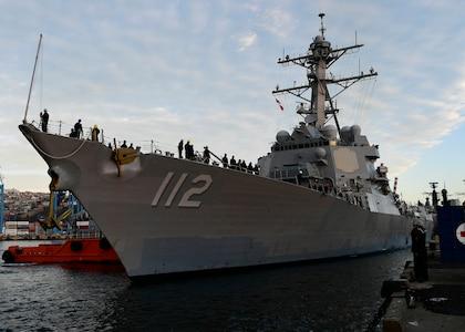 USS Michael Murphy (DDG 112) arrives in Valparaiso, Chile