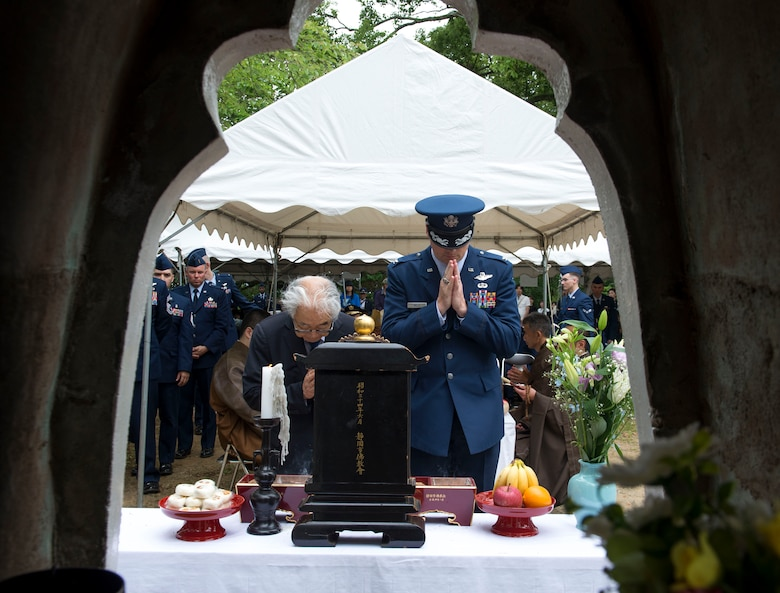 Dr. Hiroya Sugano, B-29 Memorial Ceremony host (left), and Col. Jason Mills, 374th Airlift Wing vice commander, take part in an incense offering ceremony during the 47th annual B-29 Ceremony at Sengen Shrine in Shizuoka City, Japan, June 22, 2019.