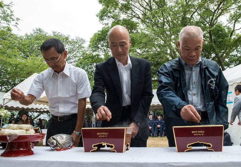 Attendees of the 47th annual B-29 Ceremony take part in an incense offering ceremony at Sengen Shrine in Shizuoka City, Japan, June 22, 2019.