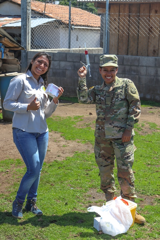 U.S. Army Reserve veterinarians enhance skills with Guatemalan partners during Beyond the Horizon 19