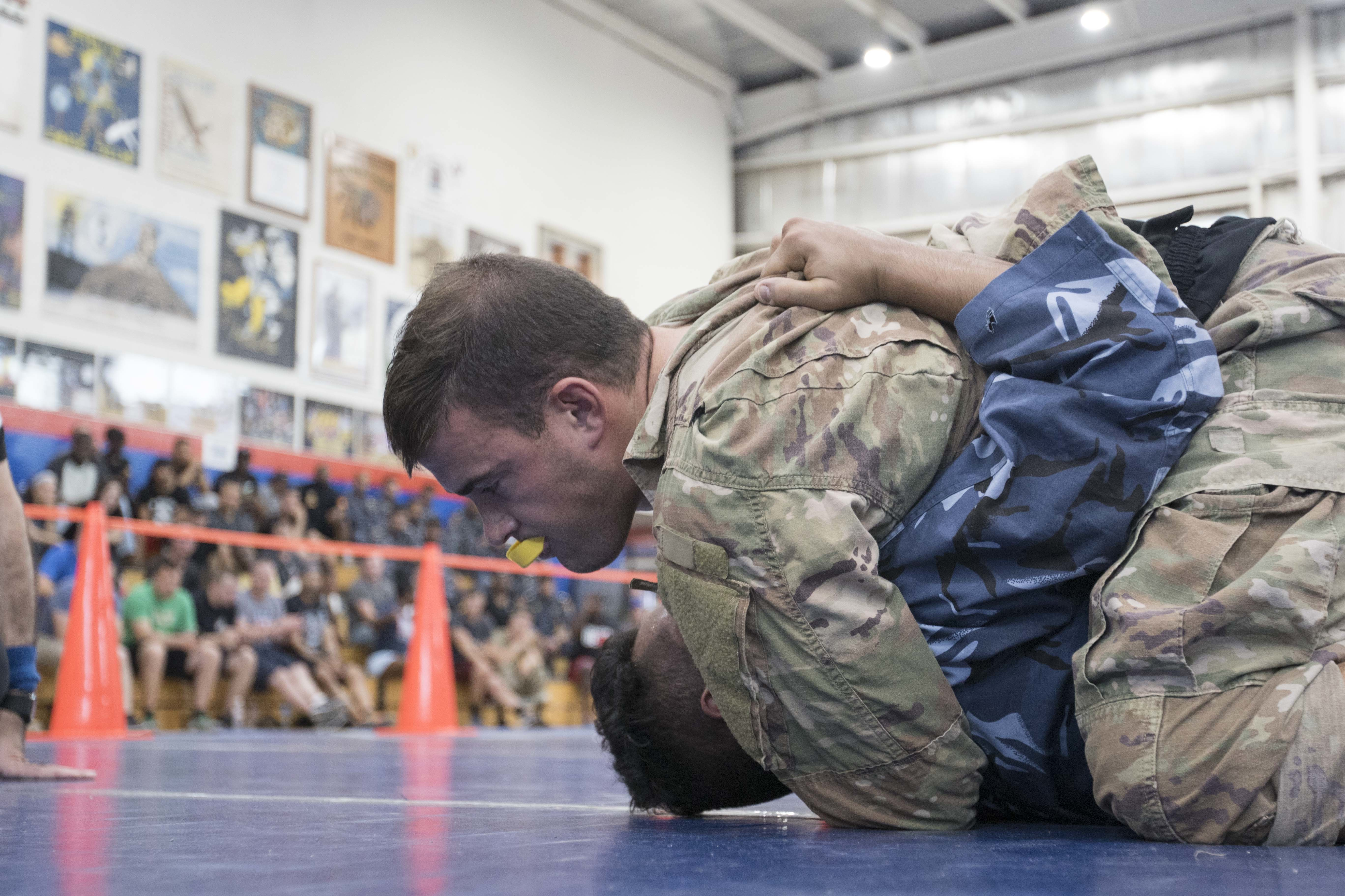 U S  Service Members and Kuwaitis Compete in Combatives