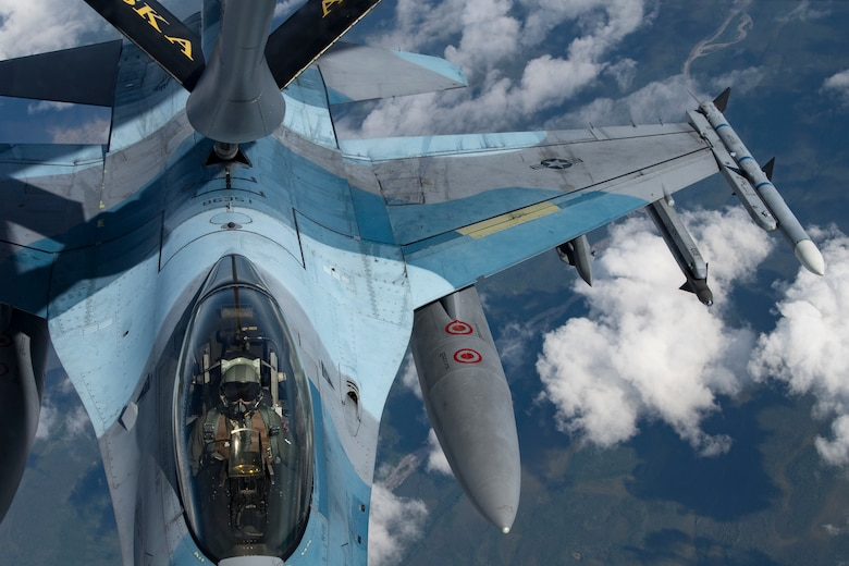 F-16 Fighting Falcon receives fuel