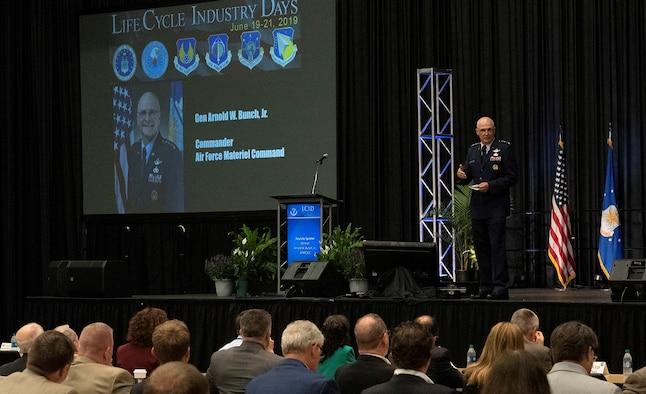 Gen Bunch speaks at Life Cycle Industry Days 2019