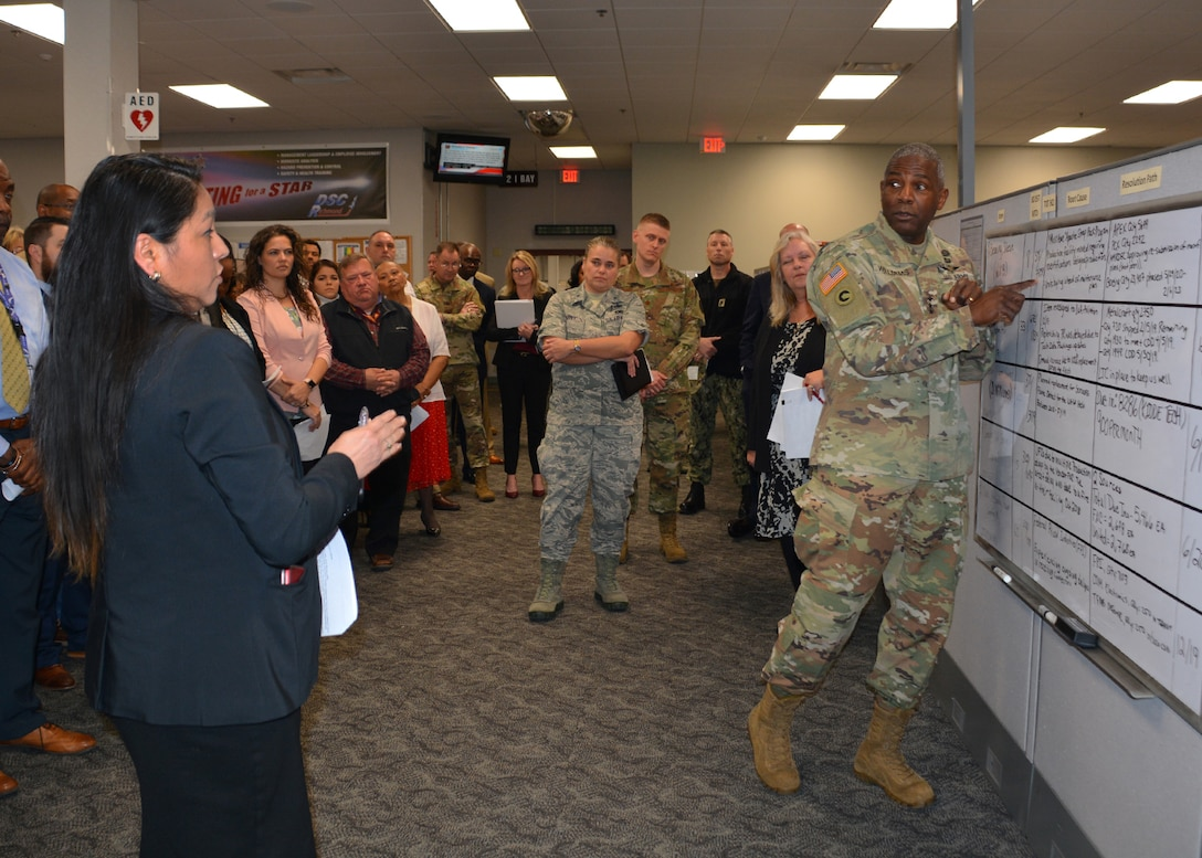 DLA director visits DLA Aviation, learns activity is on track to meet operating plan goals