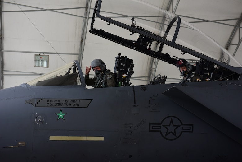 From left, Gen. Mike Holmes, commander of Air Combat Command, and Capt. John Tilton, 333rd Fighter Squadron pilot, after flying in an F-15E Strike Eagle, Feb. 27, 2019, at Seymour Johnson Air Force Base, North Carolina. Holmes previously flew the F-15E while he was the commander of the 4th FW from August 2004 until September 2006. (U.S. Air Force photo by Senior Airman Kenneth Boyton)