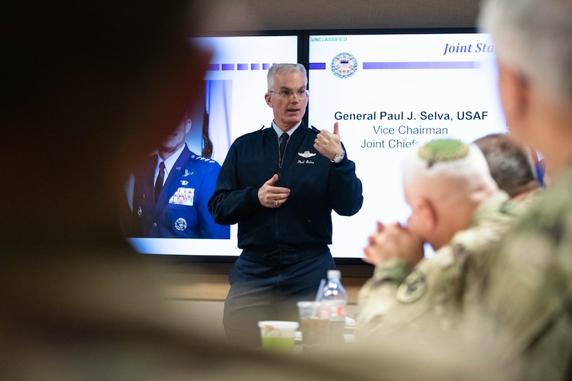 General speaks at seminar