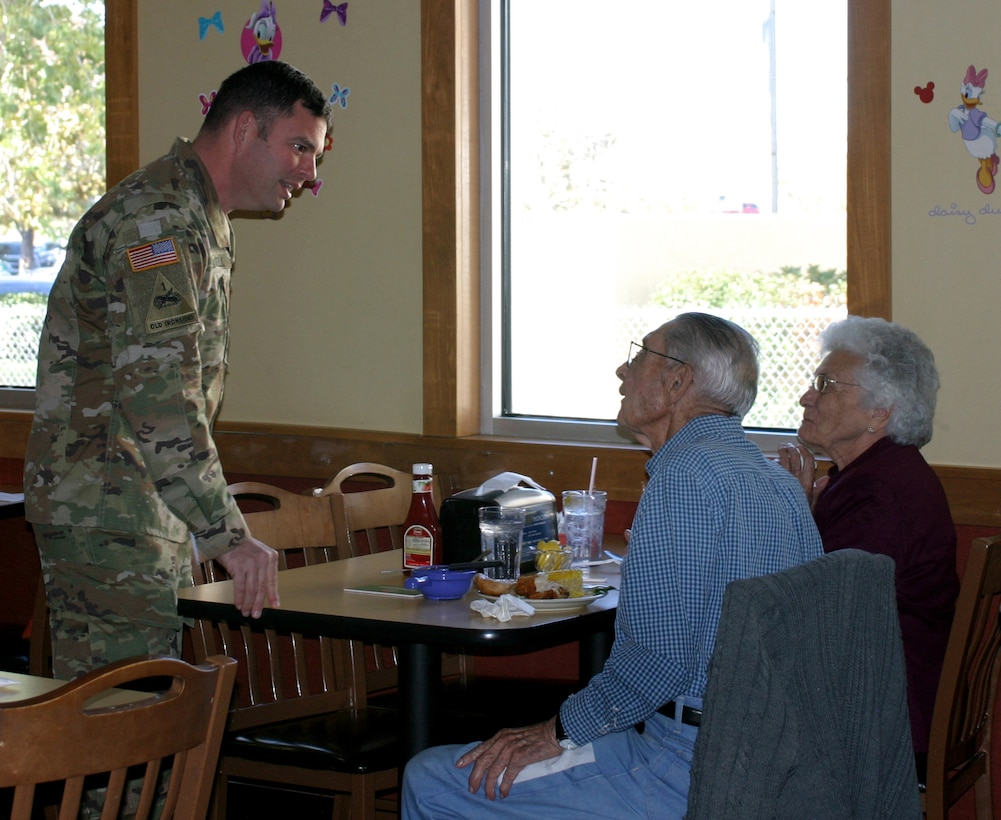 Albuquerque District Commander Lt. Col. Larry Caswell, Jr., visits with retirees who attended the luncheon, Nov. 9, 2018.
