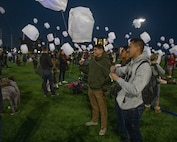 US service members volunteer in lantern festival