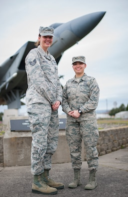 Oregon Guardsmen serve as Weapons Directors for the 116th Air Control Squadron