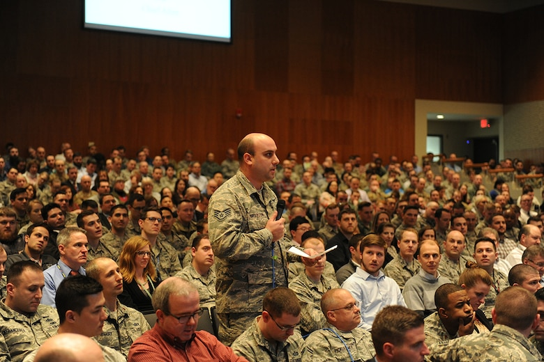 """Staff Sgt. Conrad Crookston, Air and Cyberspace Intelligence Group, asks Lt. Gen. VeraLinn """"Dash"""" Jamieson a question during a town hall meeting at the National Air and Space Intelligence Center Feb. 27, 2019. Jamieson, the Air Force Deputy Chief of Staff for Intelligence, Surveillance, Reconnaissance and Cyber Effects, visited the Center Feb. 26-28. (U.S. Air Force photo by Senior Airman Samuel Earick)"""