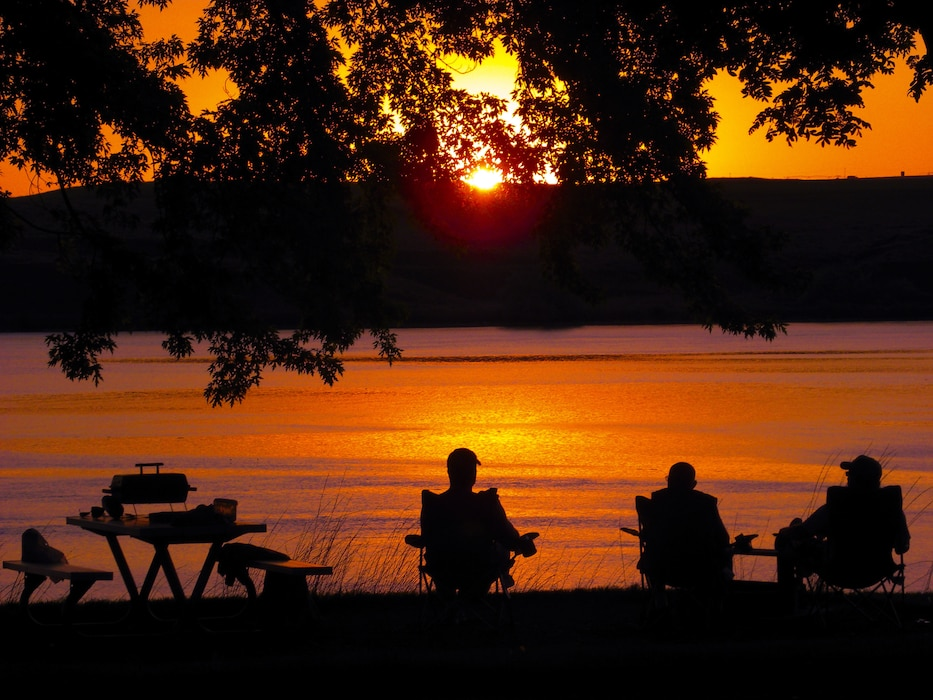 Prairie Ridge Park at Rathbun Lake provides awesome sunsets at no extra charge! This off-the-beaten path park offers wonderful vistas of the lake while surrounded by Iowa's natural prairie life community, with woodland draws & timbered hillsides. Make your reservation now at recreation.gov.