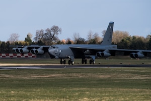 B-52 touch down at RAF Fairford, England