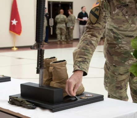 Memorial service for fallen Soldiers