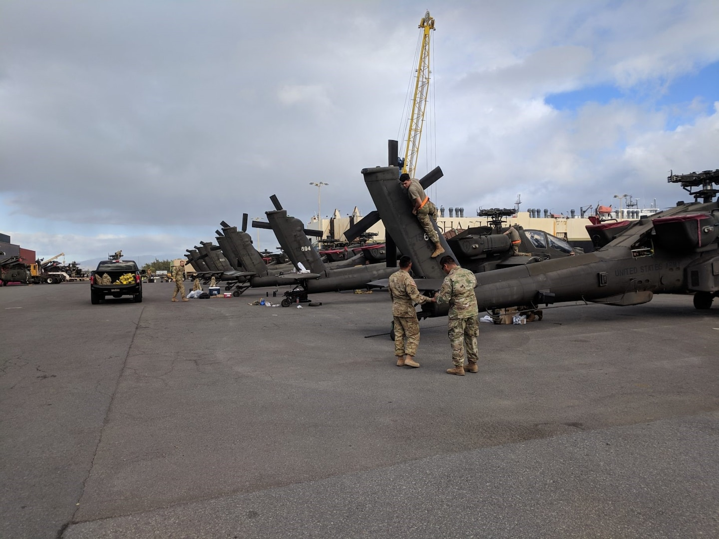 599th Facilitates Cargo Offload at Honolulu Harbor